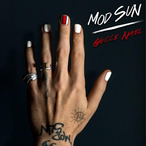 mod-sun-gucci-nail